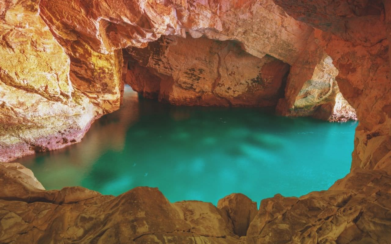 grotte di pertosa salerno cilento